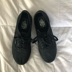 all black vans sneakers